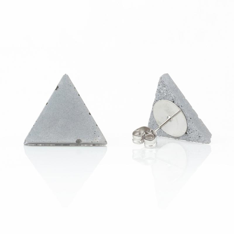Náušnice z betonu trojúhelník